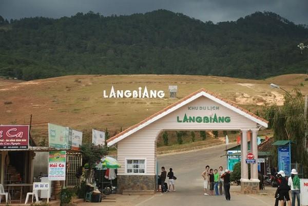 đỉnh núi Langbiang