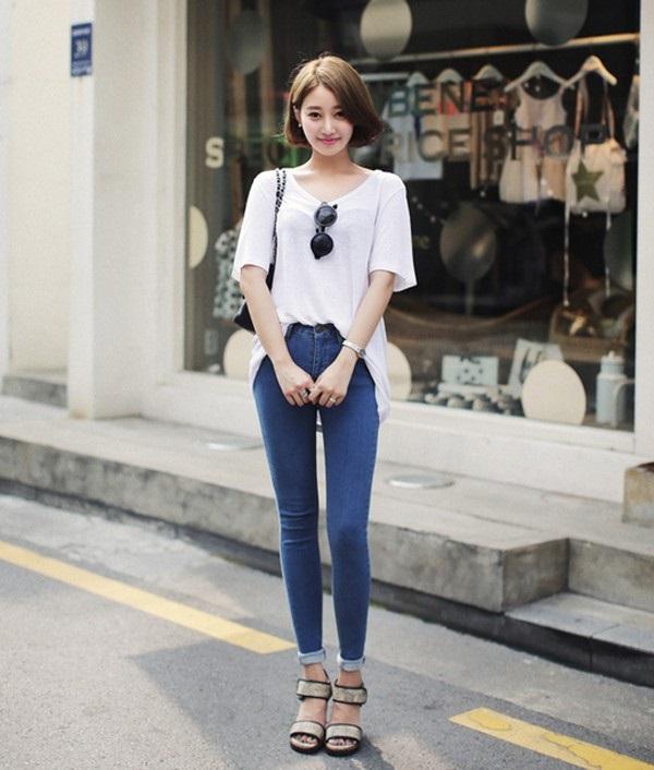 chân váy ngắn giả quần với áo thun