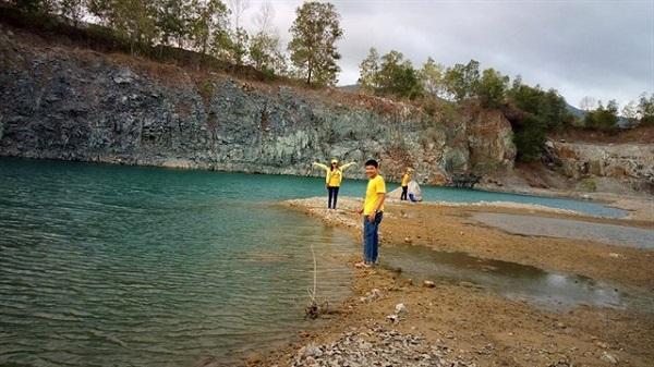 Hồ khai thác đá (Hồ Ba Cô)