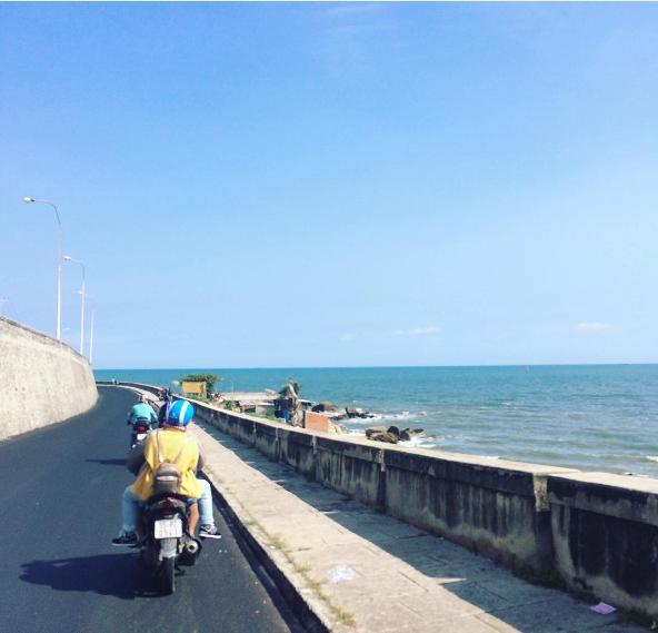 Đường ven biển Long Hải
