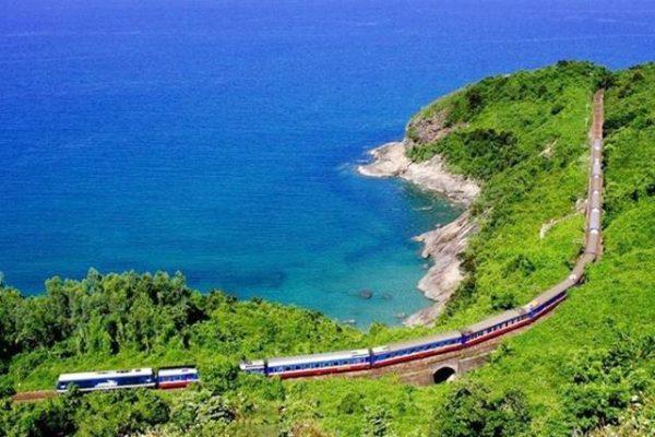 Từ Đà Nẵng đi Hà Nội bao nhiêu tiếng khi đi bằng tàu hỏa?